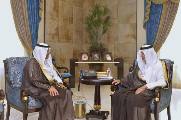 الأمير خالد الفيصل مستقبلا مدير تعليم منطقة مكة أحمد الزايدي