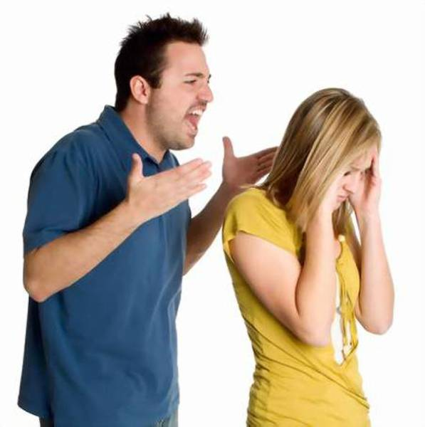 10 أخطاء تهدد المتزوجين الجدد بالطلاق
