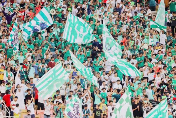 حضور متواضع لجماهير الأهلي في مباراة العدالة.