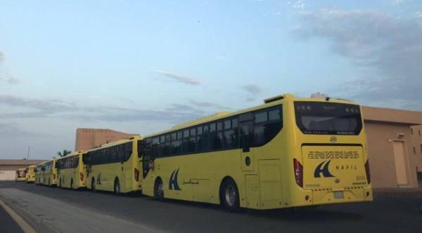 مدير «تعليم جدة» يدشن الحافلات الذكية للنقل المدرسي