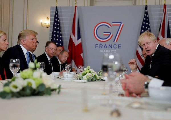 لقاء يجمع ترمب وجونسون على هامش قمة مجموعة السبع في بياريتس بفرنسا.