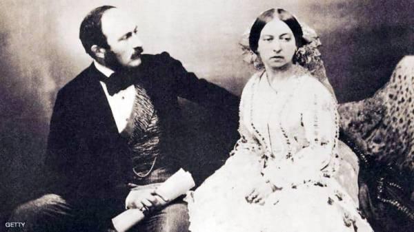 الملكة فيكتوريا وزوجها ألبرت.