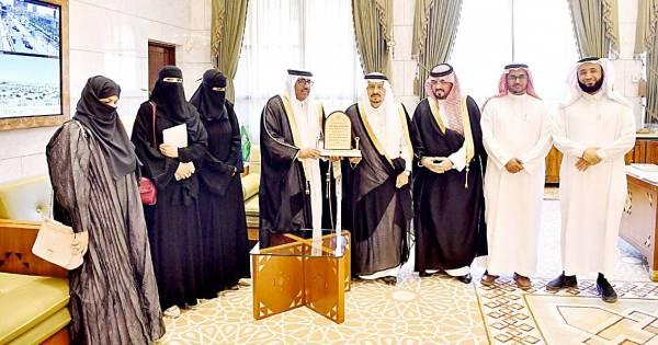أمير الرياض يستقبل رئيس «تعارفوا للإرشاد الأسري»