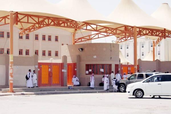 استمرار الدراسة في المدرسة بعد الحادثة. (تصوير: عبدالعزيز اليوسف)