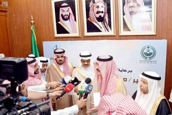 الأمير مشعل بن ماجد متحدثا لوسائل الإعلام