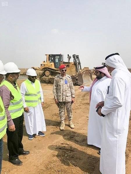 أمير جازان بالنيابة يتفقد توسعة مدرجات ومواقف الطائرات بمطار الملك عبدالله