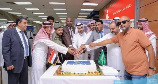 مطار جدة يستقبل أولى رحلات «طيران بلقيس» من اليمن