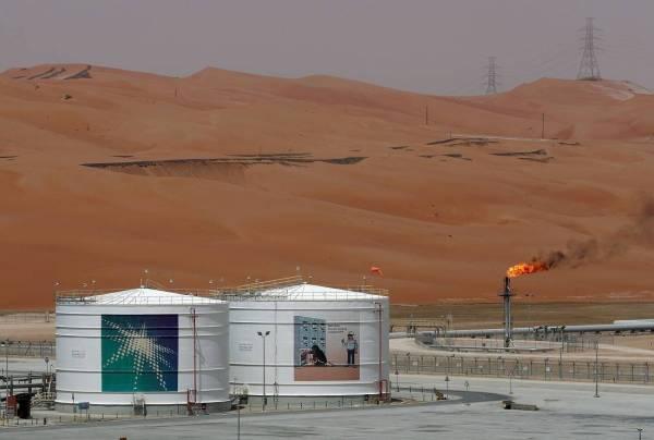 لا تأثير.. استئناف تحميل النفط لعملاء «أرامكو»