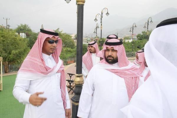 أمير جازان بالنيابة: أنجزوا المشاريع في وقتها
