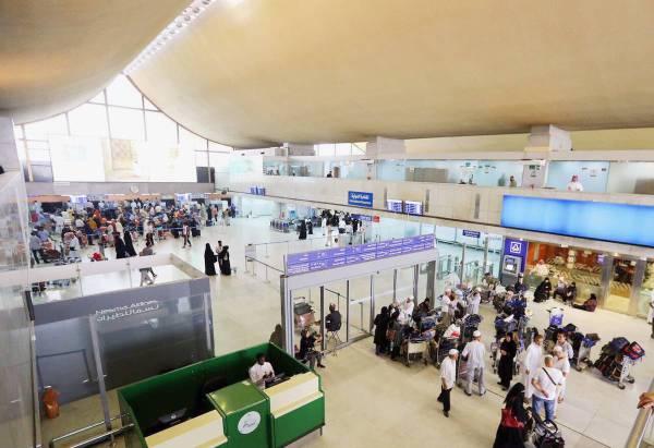 السعودية تعمل بوتيرة عالية لتطوير شبكة مطاراتها لمواكبة زيادة الحركة الجوية.