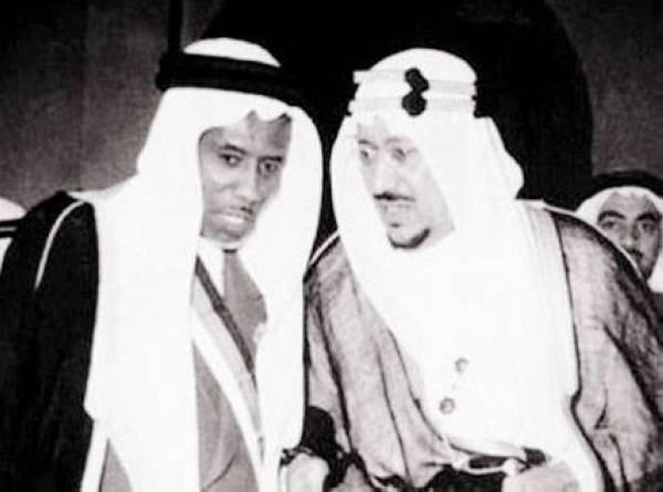 الصبان مع الملك سعود في الخمسينات.