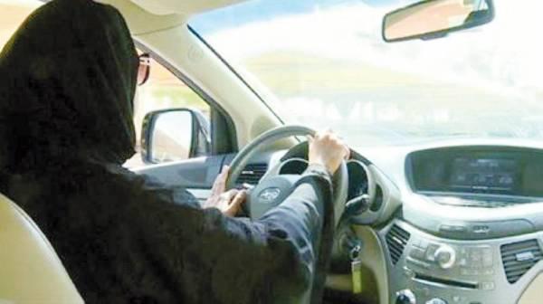 يتعرض بعض الأطفال لحرج وتنمر في المدارس بسبب قيادة أمهاتهم للسيارة.