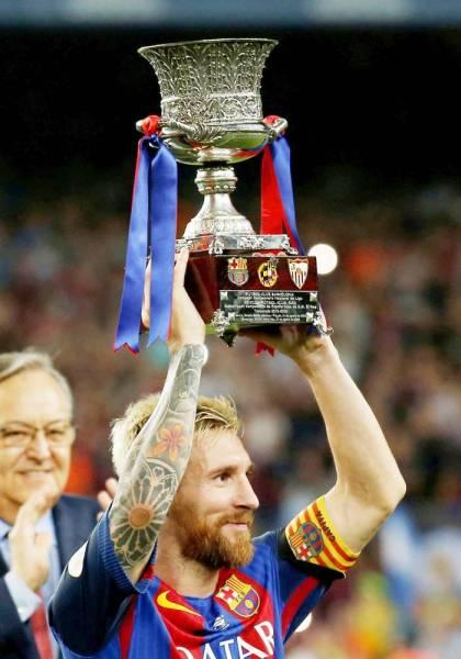 ميسي أشهر نجوم الدوري الإسباني سيكون في مقدمة الحضور.