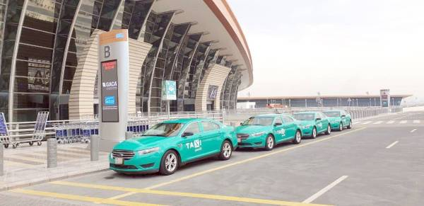 صورة متداولة لتاكسي المطار الأخضر.