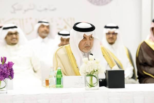 الأمير خالد الفيصل متحدثا في المنتدى العربي للجوائز.