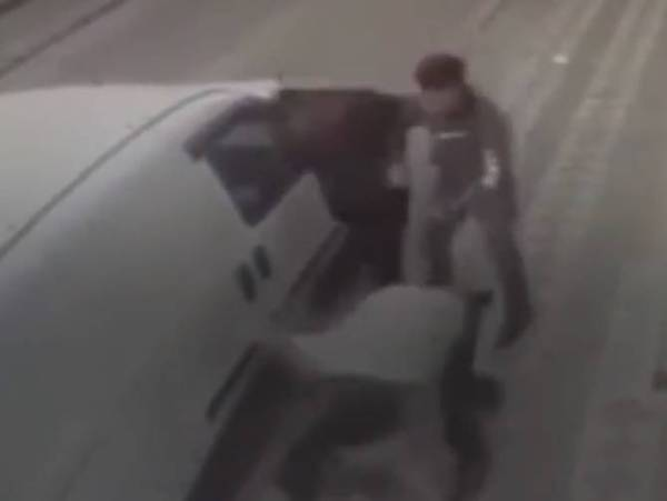 بغرض السرقة.. اعتداء 3 أتراك بوحشية على مراهق سوري