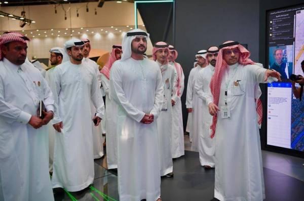 نائب حاكم دبي يزور جناح «الداخلية» في معرض جيتكس