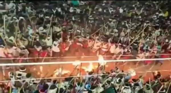 أكثر من 100 مُصاب في مهرجان «القتال بالعصي»