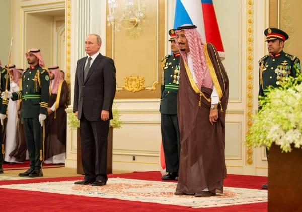 خادم الحرمين الشريفين يستقبل رئيس روسيا الاتحادية