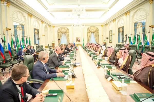 ولي العهد والرئيس الروسي يبحثان استقرار أسواق الطاقة ومستجدات سورية واليمن ومكافحة الإرهاب