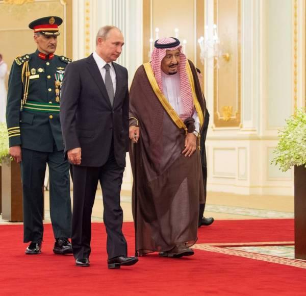 بوتين: السعودية «حجر أساس» المنطقة