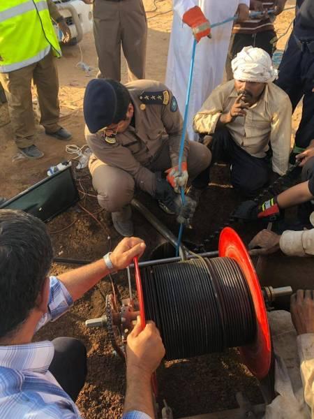 وادي الدواسر: إنقاذ عامل سقط في بئر ارتوازية