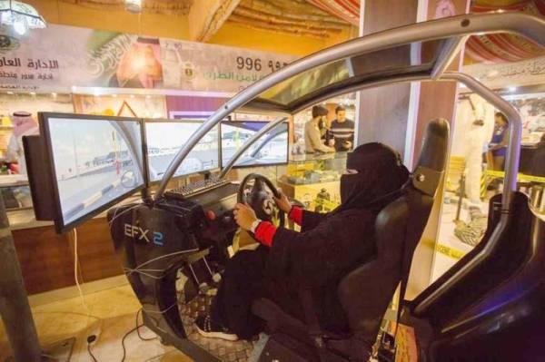 تدريب لقيادة السيارة محاكاة للواقع.