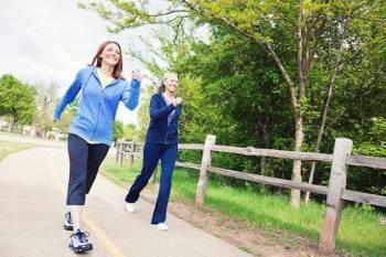 المشي البطيء بعد بلوغ أشخاص السبعين يعرضهم لاحتمالية الموت المبكر.