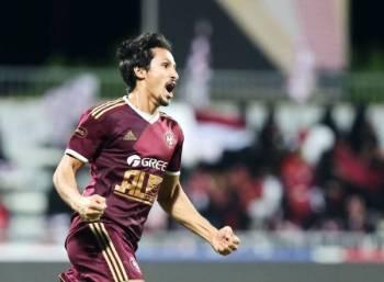 خالد الغامدي ينطلق فرحاً بهدف المباراة الوحيد.