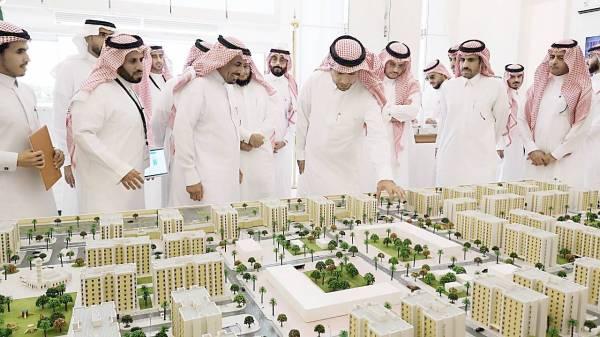 وزير الإسكان يدشن الربط الإلكتروني لرخص البناء بين إتمام و أمانة المدينة أخبار السعودية صحيفة عكاظ