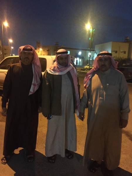 من اليمين عبدالله الشمراني ومطر النفيعي وناصر المالكي.