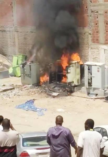 حريق شب في أحد مولدات الكهرباء بالحي.