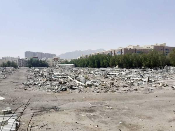 الأهالي طالبوا الأمانة بإزالة النفايات.