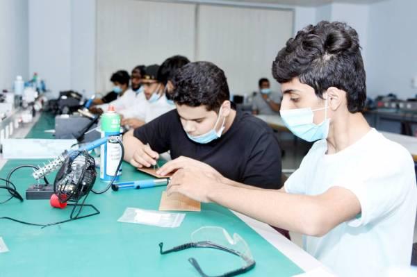 المشاركون في البرنامج التدريبي.