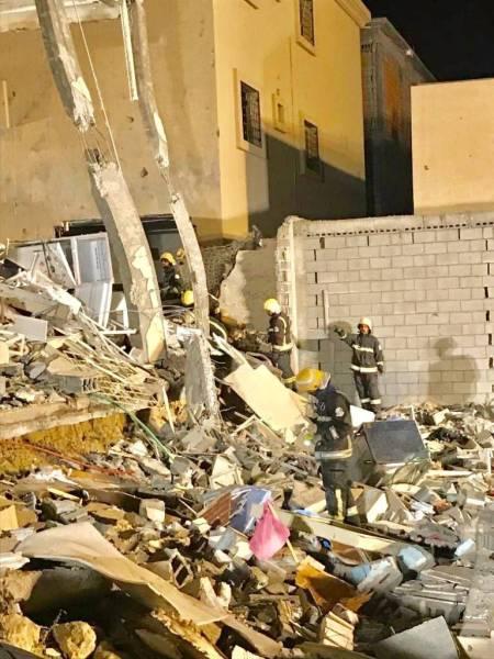 إصابة 13 شخصاً بانهيار واجهة مبنى سكني في الدمام
