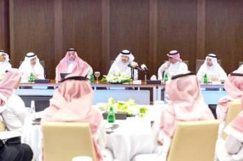 الأمير سلطان بن سلمان متحدثا خلال الورشة.