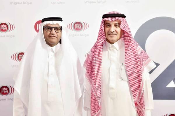 المشرف العام على مجموعة MBC علي الحديثي ورئيس التحرير الزميل جميل الذيابي.