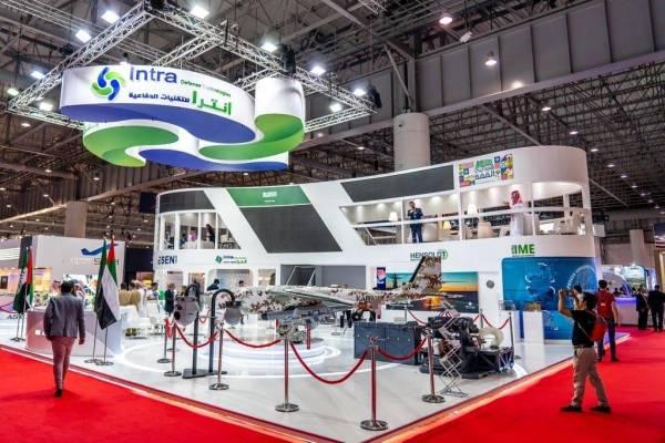 الطائرة في معرض دبي للطيران