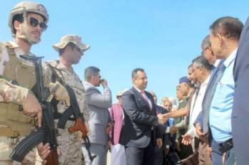 رئيس الوزراء اليمني معين عبد الملك لدى وصوله عدن  منذ يومين في إطار تنفيذ اتفاق الرياض.  أ ف ب)