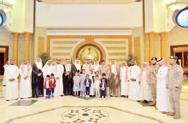 الأمير بدر بن سلطان خلال مراسم توقيع مذكرة التعاون بمقر الإمارة.