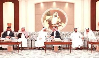 الأمير سعود بن نايف والوفد المرافق يواسون محمد بن زايد.