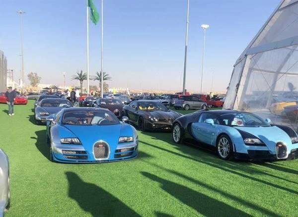 جانب من معرض الرياض للسيارات