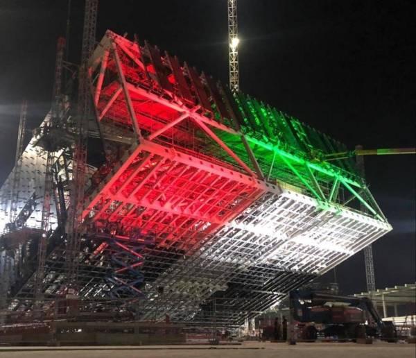 جناح السعودية في إكسبو دبي يتزين بألوان العلم الإماراتي