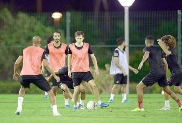الوحدة جاهز لعبور الخليج