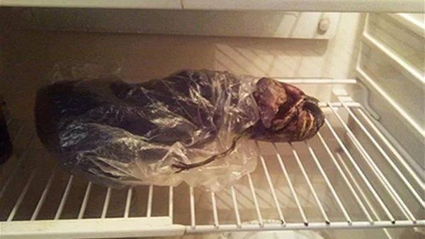 جزء من الجثة في الثلاجة.