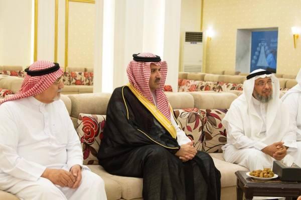 الأمير فيصل بن سلمان مواسيا أسرة أبومدين.