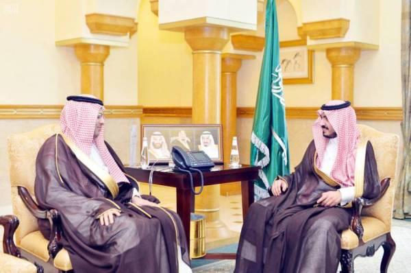 الأمير بدر بن سلطان مستقبلا رئيس هيئة الطيران المدني.