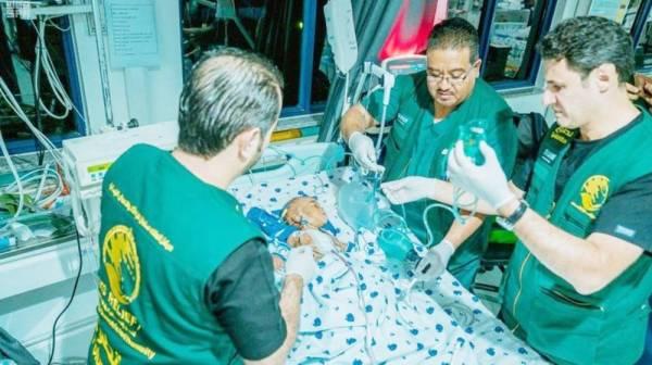 الفريق التطوعي لمركز الملك سلمان يجري 13 عملية جراحية في دار السلام.