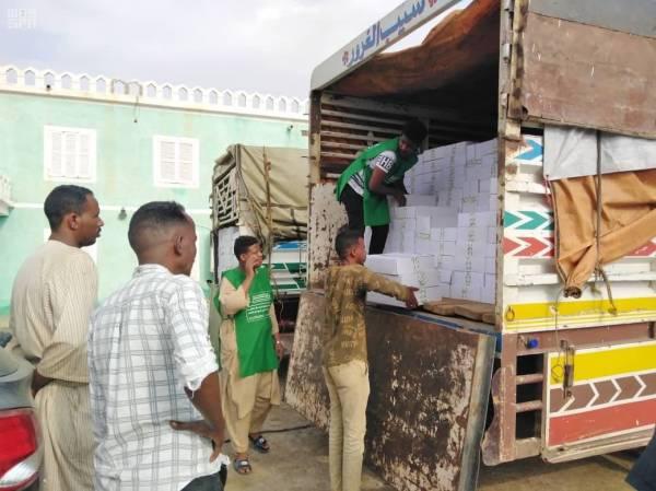 توزيع 2000 كرتون تمور في السودان