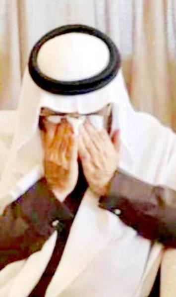 د. إسماعيل البشري متأثراً خلال حفلة الوداع.